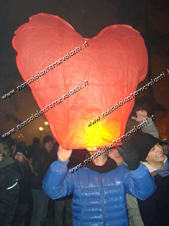 Lanterne Volante Cuore Rosso